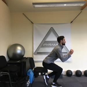 sl-chair-squat